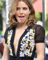 Sophia-Bush-Extra-TV-015.jpg