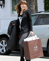 Sophia-Bush-Shopping-05.png