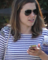 Sophia-Bush-rues-West-Hollywood-002_t.png