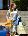 Sophia-Bush-Shopping-chez-Barneys_015_HQ.png