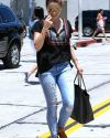 Sophia-Bush-West-Hollywood-070_HQ_t.jpg