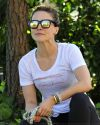Sophia-Bush-Walking-Her-Dog-2015_006.jpg