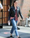 Sophia-Bush-leaving-her-hotel_004.jpg