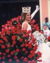 Sophia-Bush-111th-Tournament-of-Roses-Parade-006.jpg