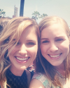2014-05-19-Sophia-Bush-interview_Extra-TV_mallorylee10.png
