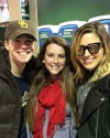 2015-04-18-Sophia-Bush-Match-de-Baseball-Wrigley-Field-Chicago_janessaz.png