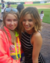 2015-08-12-Sophia-Bush-Chicago-White-Sox-Game_skores44.png