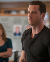 Sophia-Bush-Chicago-PD-2x03-The-Weigh-Station-06_HQ.png