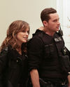 Sophia-Bush-Chicago-PD-Tournage-1x04-Now-is-always-temporary_003_HQ.jpg