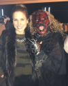 01-Novembre-2014-Sophia-Bush-Evil-Intentions-Haunted-House-02.png