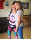 05-Mai-2014-Sophia-Bush-Saut-En-Parachute-Pour-I-Am-That-Girl.png