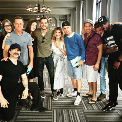chicago pd cast dating Watch video  sophia bush is a former member of the chicago pd ensemble cast, starring as detective erin lindsay the 34-year-old bush is not married and previously dated her pd co-star jesse lee soffer on may 25, it was confirmed that bush has left chicago pd for good after four seasons, although she could still guest star.