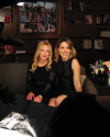 12-Octobre-2015-Sophia-Bush-and-Randi-Shinder_002.png