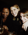 18-Avril-2015-Sophia-Bush-Jenny-Smart-Et-Monica-Raymund.png
