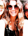 28-Aout-2015-Sophia-Bush-and-friends.png