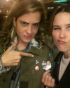 01-Octobre-2016-Sophia-Bush-and-Samantha-Ronson.png