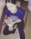 10-Mai-2016-Sophia-Bush-Cleaning-Out-Her-Closet-for-charity.png