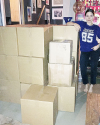 10-Mai-2016-Sophia-Bush-Cleaning-Out-Her-Closet-for-charity_003.png