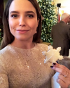 16-Decembre-2016-Sophia-Bush-at-the-White-House_002.png