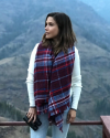 08-Septembre-2017-Sophia-Bush-in-Montana_001.png