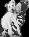 10-Mars-2017-Sophia-Bush-and-Frankie.png