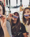 12-Septembre-2017-Sophia-Bush-and-her-best-friends.png