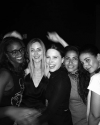 14-Janvier-2017-Sophia-Bush-and-friends.png
