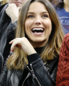 15-Decembre-2017-Sophia-Bush-New-York-Rangers-Game.png