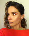 15-Septembre-2017-Sophia-Bush-getting-ready-for-an-event_004.png