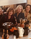 18-Novembre-2017-Sophia-Bush-Friendsgiving_005.png
