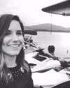 23-Aout-2017-Sophia-Bush-in-Alaska_007.png