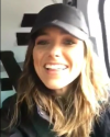 25-Aout-2017-Sophia-Bush-in-Alaska_008.png