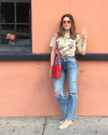 26-Septembre-2017-Sophia-Bush-in-New-Orleans.png