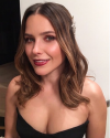 27-Octobre-2017-Sophia-Bush-UNICEF-Masquerade-Ball_001.png