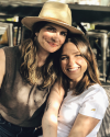 08-Avril-2018-Sophia-Bush-and-Ruthie-Lindsey_001.png