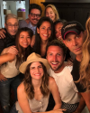 13-Juin-2018-Sophia-Bush-with-friends.png