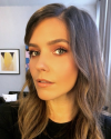 23-Mai-2018-Sophia-Bush-Makeup_002.png
