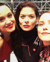 08-Novembre-2016-Sophia-Bush-Katy-Perry-Debra-Messing.png