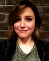09-Mars-2016-Sophia-Bush-on-set_003.png