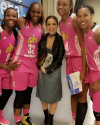 13-Septembre-2016-Sophia-Bush-WNBA-Chicago-Sky_002.png