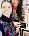 24-Decembre-2016-Sophia-Bush-and-Azita-Ardakani.png
