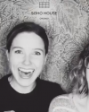 22-Novembre-2016-Sophia-Bush-and-Melissa-Fabello_003.png