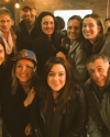 29-Mars-2017-Sophia-Bush-and-friends.png