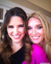 23-Mars-2011-Sophia-Bush-Coulisses-De-One-Tree-Hill-02.png