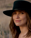 Sophia-Bush-in-a-video-by-JON-HECHTKOPF_004.png