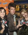 Sophia-Bush-One-Tree-Hill-CD-Signing_058.jpg