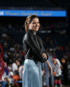 Sophia-Bush-at-the-Chicago-Sky-Basketball-Game_06.jpg
