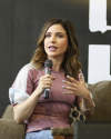 Sophia-Bush-at-Return-To-Tree-Hill-Convention_006.png