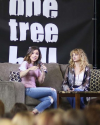 Sophia-Bush-at-Return-To-Tree-Hill-Convention_009.png
