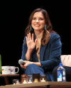 Sophia-Bush-at-the-Chicago-HelloSunshinexTogetherLive_001.png